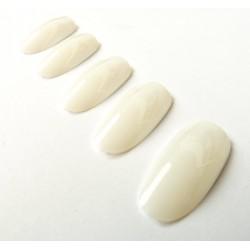 sztuczne paznokcie migdałki